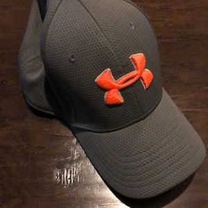 Youth Small/Medium Under Armour hat